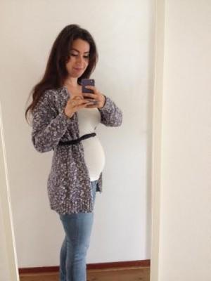 Ennn 20 weken zwanger! Buikje is iets uitgezet in vergelijking met de 17 weken. Gelukkig gaat het nog geleidelijk!