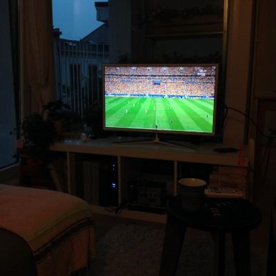 's Avonds keken we bij Yara en Wouter de troostfinale van het Nederlands Elftal. Ik vond het nog best een leuke wedstrijd om te zien. Jammer dat het WK nu afgelopen is...