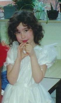 En als bonus nog even een mini-Betty tijdens carnaval op school.