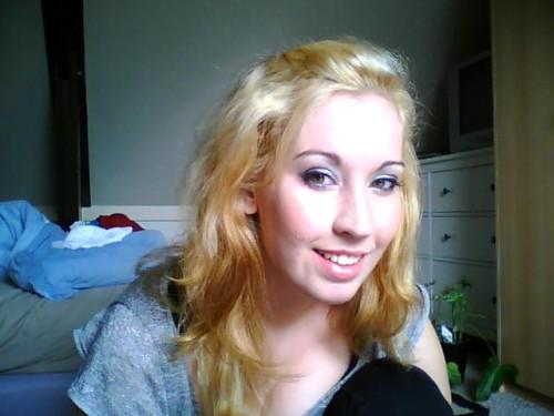 Waaaaat? Ja, ik heb ergens in 2008 geloof ik besloten om mijn haar te blonderen. Het was Geen. Goed. Idee.